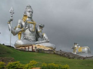 Murudeshwara-Photos-temple-pics-Murudeshwara-538188-1-JPG-destreviewimages-500x375-1324605121
