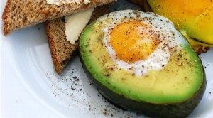 Healthy-Egg-Recipes-for-Breakfast-Baked-Eggs-in-Avocados