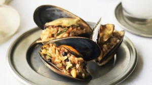 stuffed_mussels_istanbul