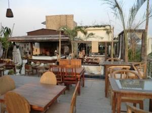 amour-hauz-khas-rooftop