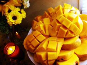 yummy-mango-slice-hd-wallpapers