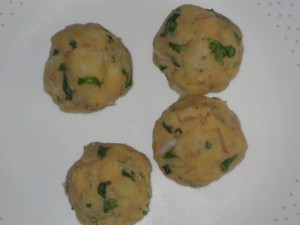 Aloo stuffing in paratha preparation