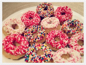 303004-dunkin-donuts-pink-donuts