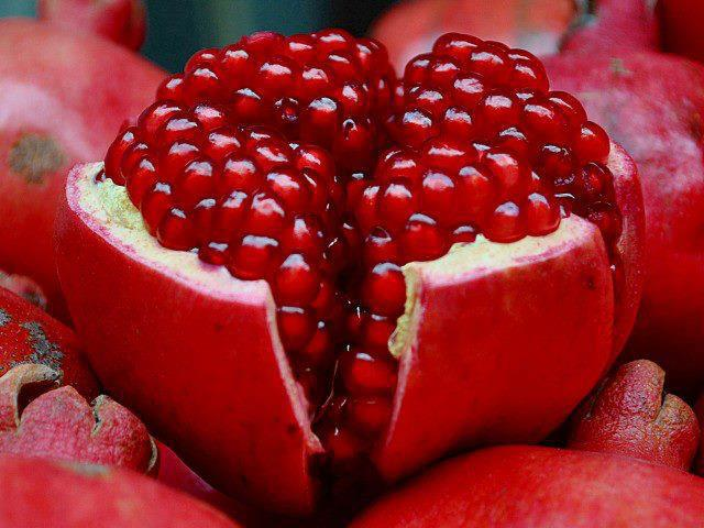 Benefits of Pomegranate juice for health | Crave Bits
